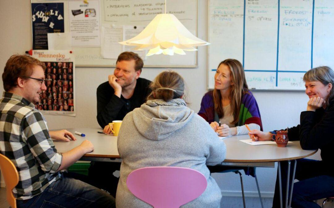 Evaluering: Jobstøtten i Fountain House giver nyuddannede akademikere mod på jobsøgningen