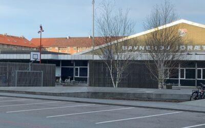 Fountain House hjælper til på midlertidigt natherberg i Baunehøj Hallerne under coronakrisen